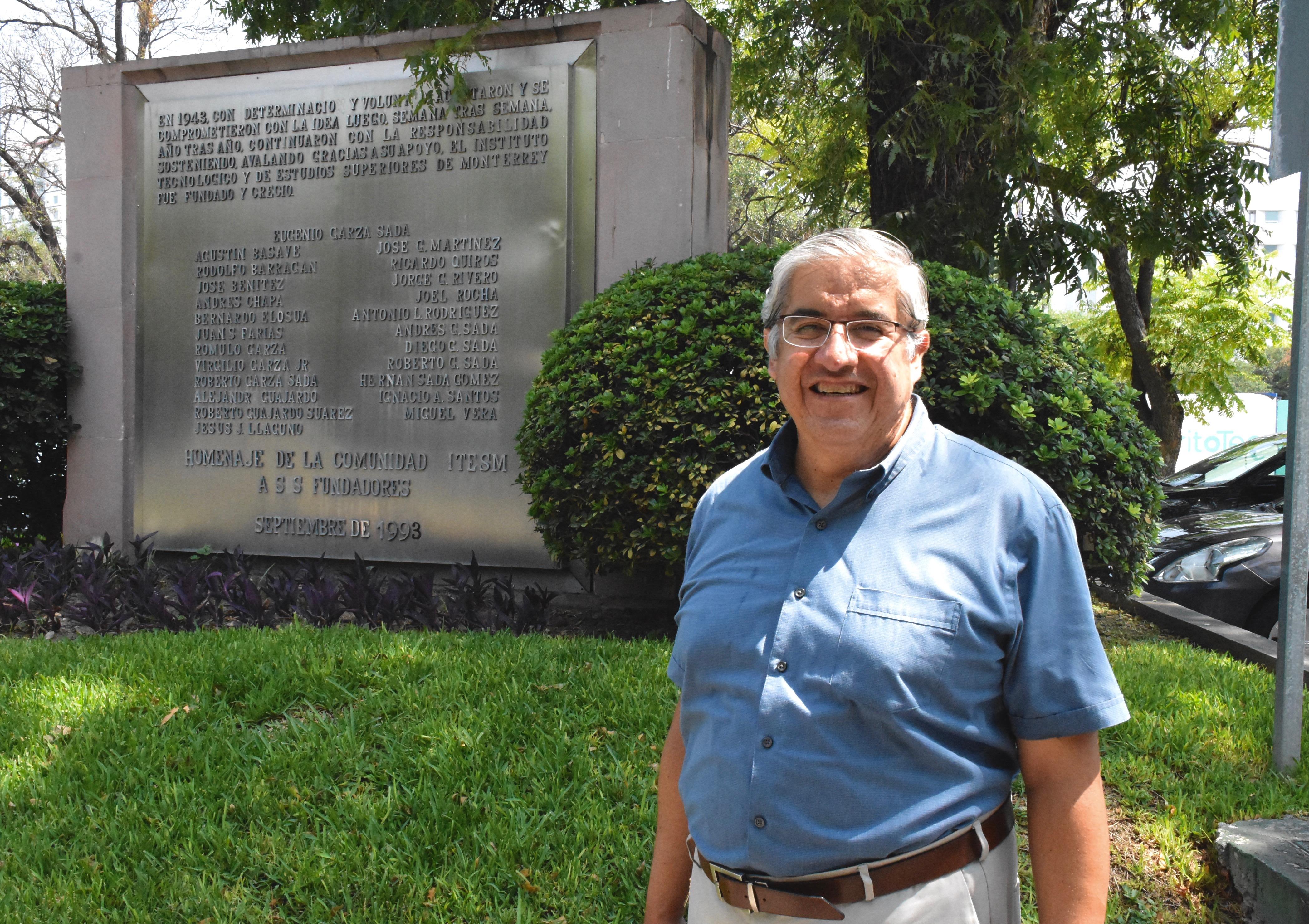 Carlos Rivera, profesor investigador de la Escuela de Ingeniería y Ciencias