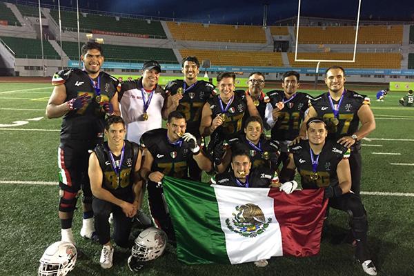 Logra México la hazaña  es tricampeón mundial en futbol americano ... 5558ebd62a2