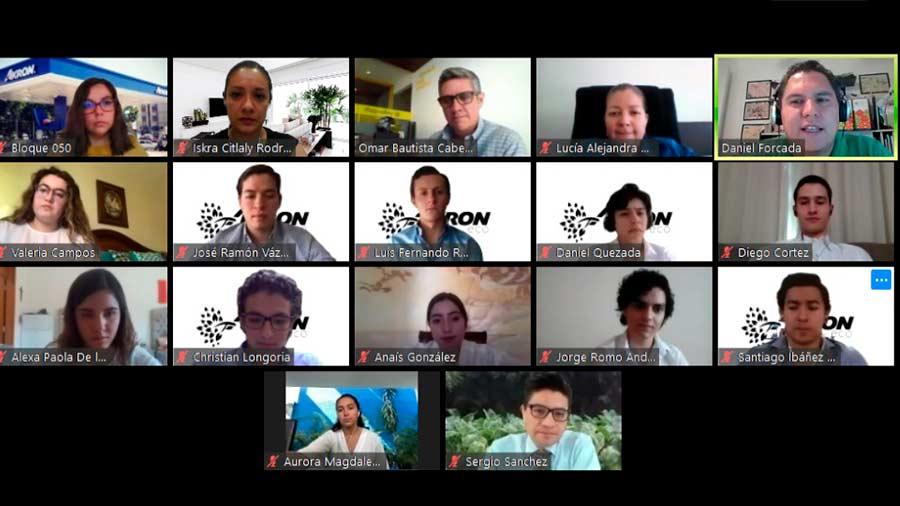 captura grupo de alumnos en clase online