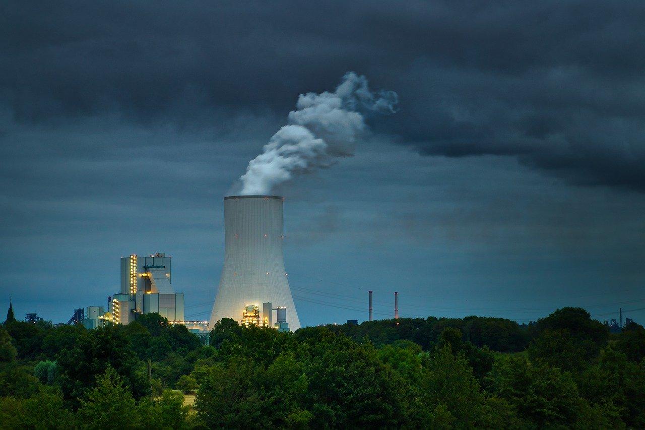 La industria es responsable de la mayor cantidad de gases de efecto invernadero lanzados al medioambiente