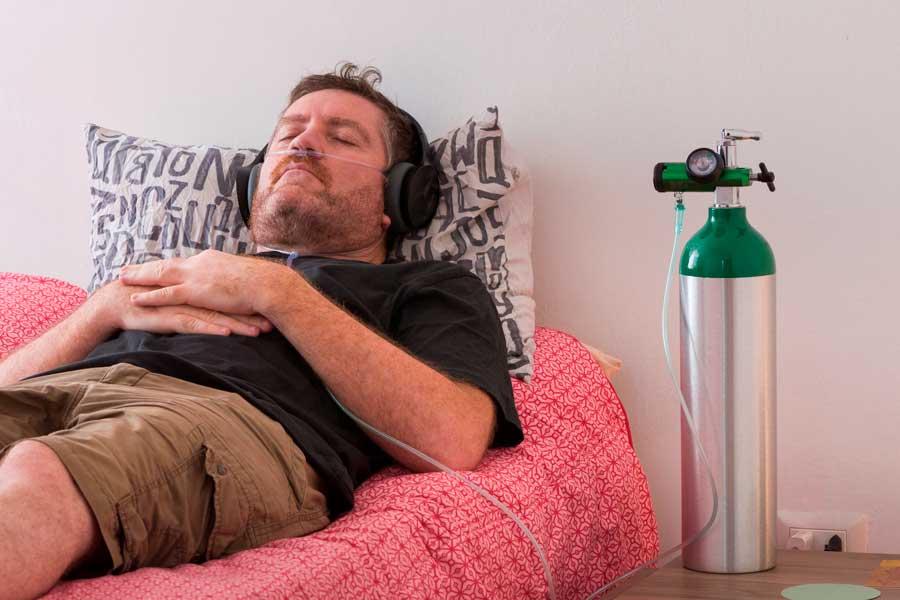 Solo si el médico te lo indica puedes usar un dispositivo para mejorar tus niveles de oxígeno.