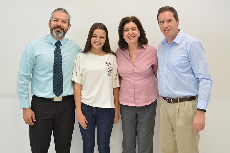 Roberto Soto Soto (Directo general campus obregón), Mariana Montaño Espinosa, Sulina Rivera (Directora PrepaTec) y Richard Huett (Director PrepaTec campus Guadalajara)