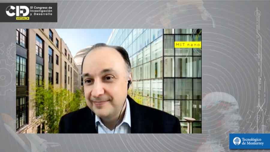El Dr. Bulovic opina que la nanotecnología definirá el futuro de la humanidad