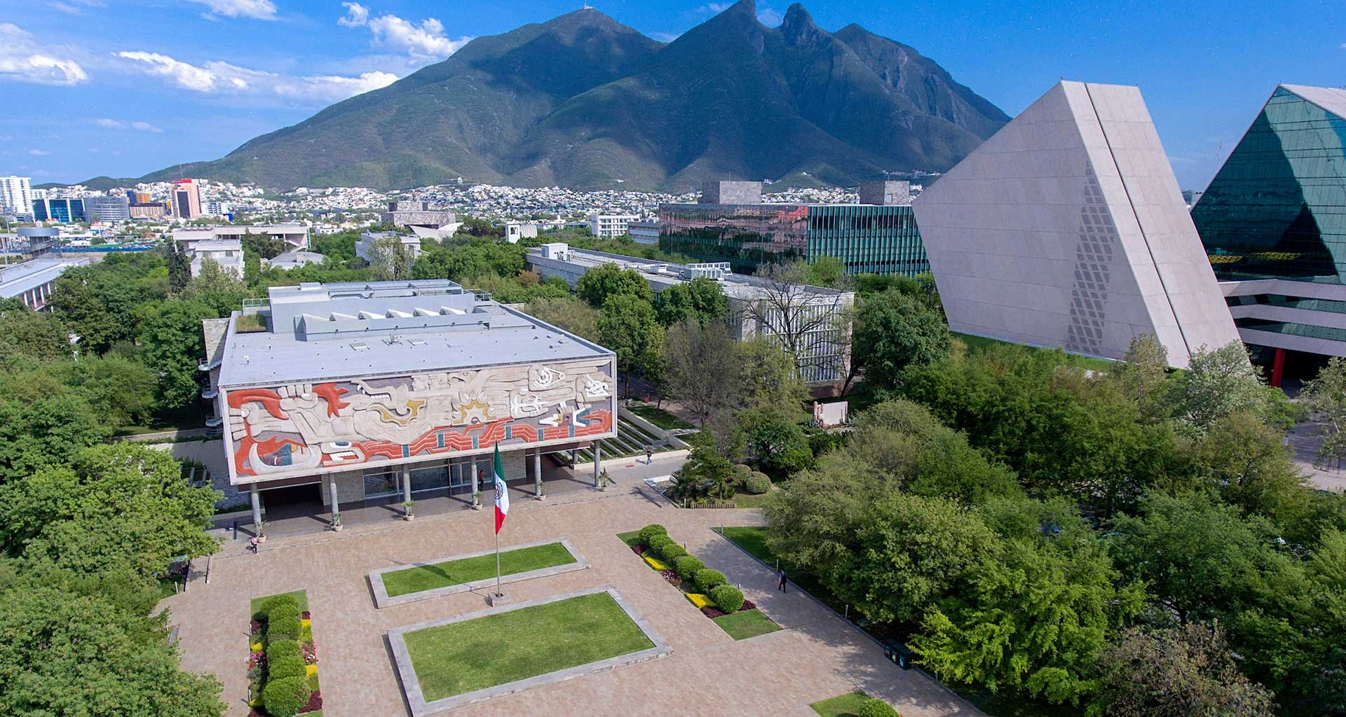 Tec de Monterrey en el top 10 de The Princeton Review de emprendimiento