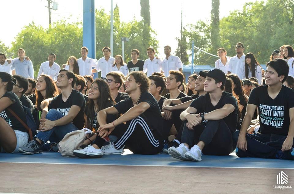 Alumnos en introducción a las residencias Tec